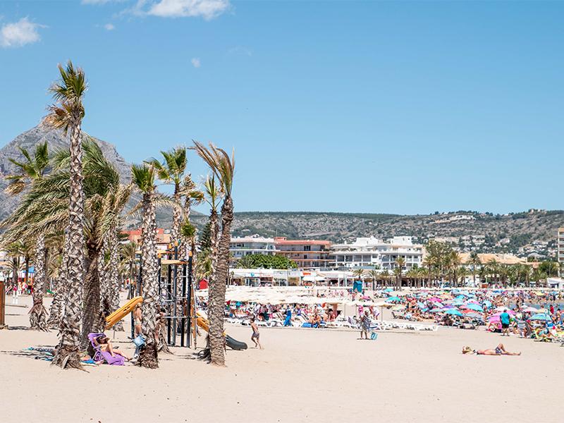 Playa del Arenal - 12 playas y calas de Jávea: una para disfrutar cada mes el año