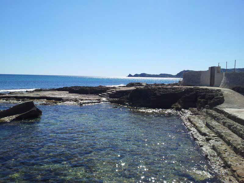 Cala Ministre - 12 playas y calas de Jávea: una para disfrutar cada mes el año
