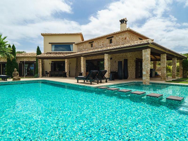 Villa de lujo con impresionantes vistas en Beniarbeig – Dénia. Ref. PCS9729