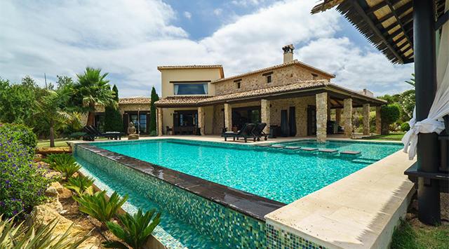 Villas de lujo en la Costa Blanca ¡disfruta de la vida mediterránea!